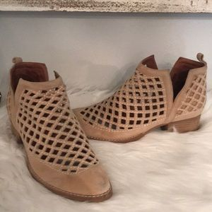 GREAT COND JEFFREY CAMPBELL TAGGART TAN SZ 7.5